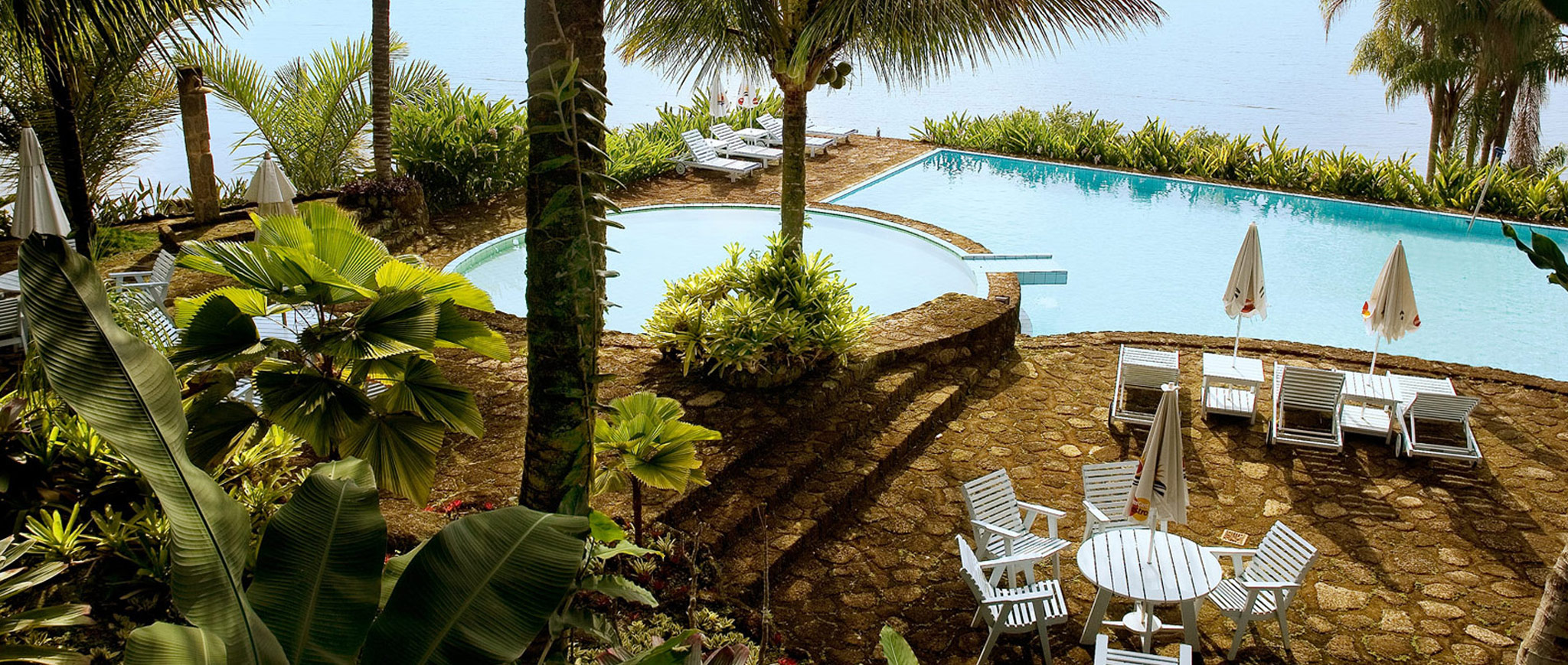 piscina01_2048