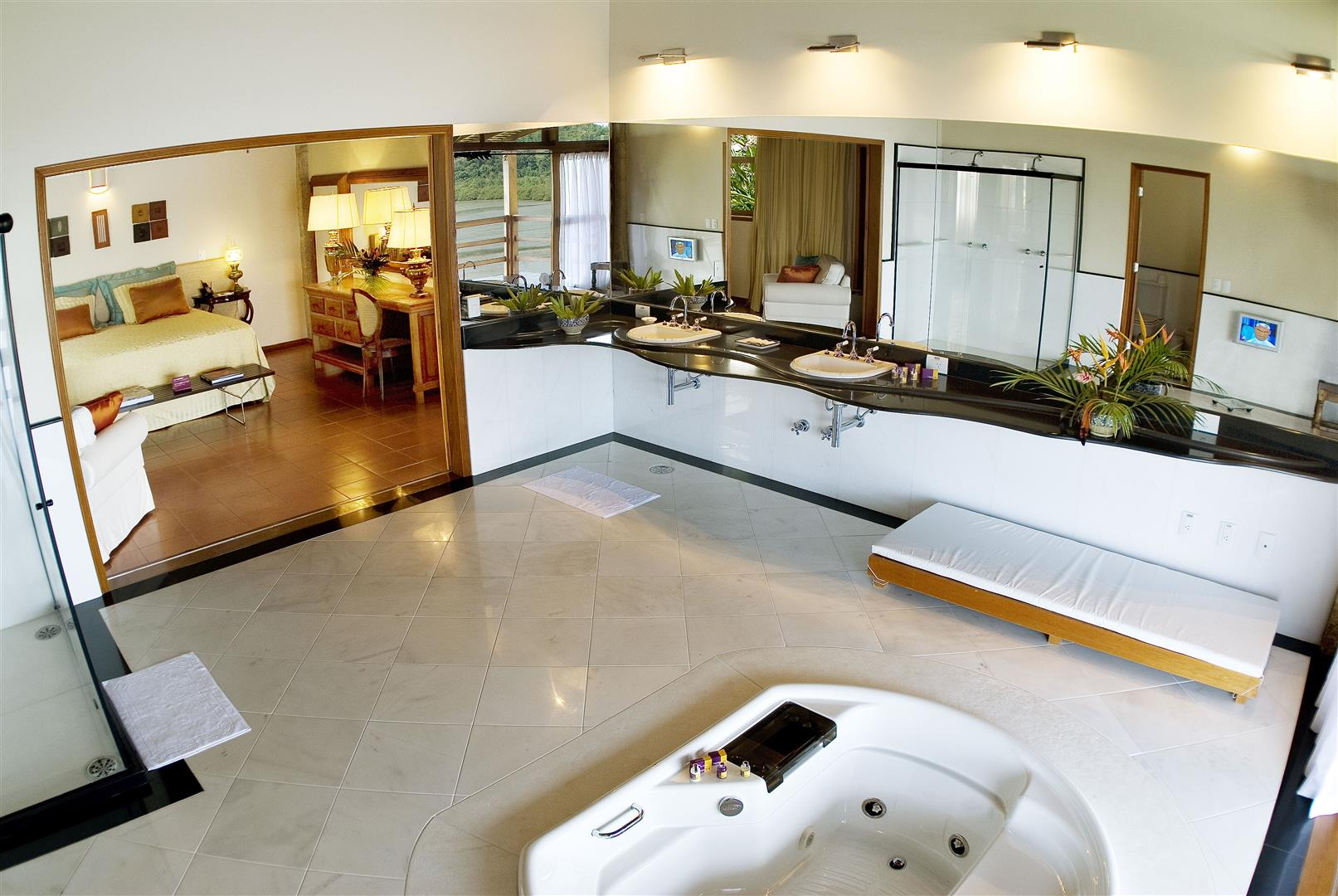 suite5 (Large)